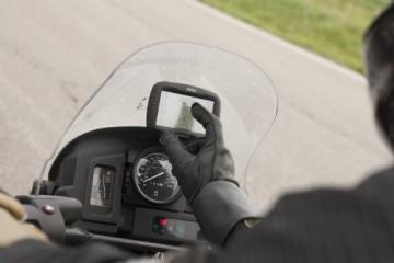 Garmin Zumo 390 Motorrad-Navigationsgerät Handschuhbedienbar am Lenker